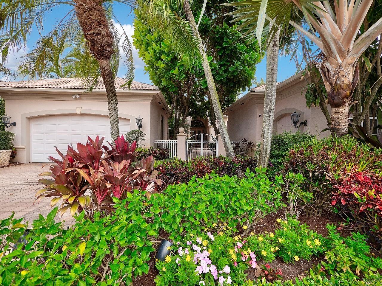 Photo of 121 Vintageisle Lane, Palm Beach Gardens, FL 33418 (MLS # RX-10688980)