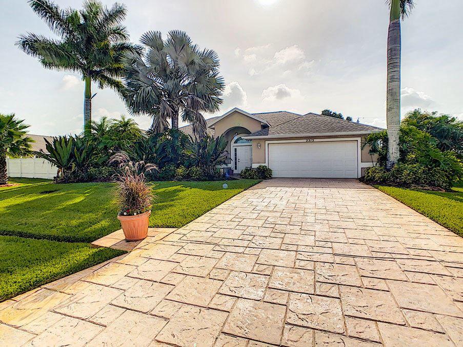 2315 SE Glover Street, Port Saint Lucie, FL 34984 - #: RX-10637981