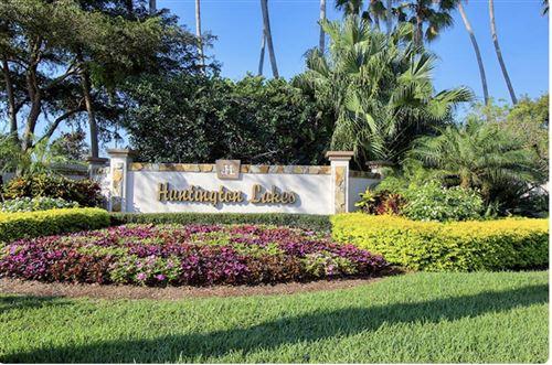 Photo of 6865 Huntington 207 Lane #207, Delray Beach, FL 33446 (MLS # RX-10751987)