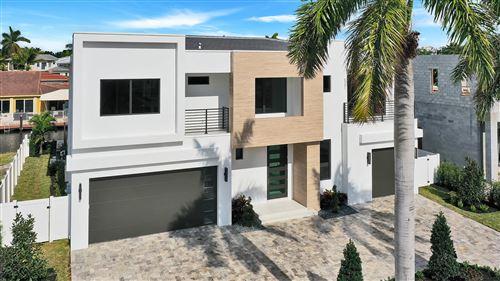 Photo of 801 NE 70th Street, Boca Raton, FL 33487 (MLS # RX-10489988)