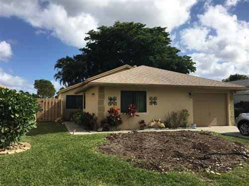 Photo of 1427 NW 26th Avenue, Delray Beach, FL 33445 (MLS # RX-10591988)