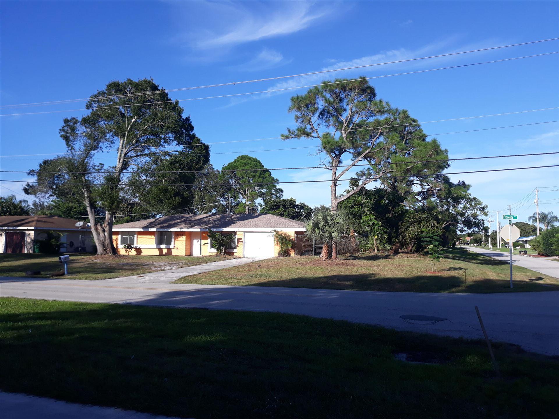 197 SE Floresta Drive, Port Saint Lucie, FL 34983 - MLS#: RX-10750988
