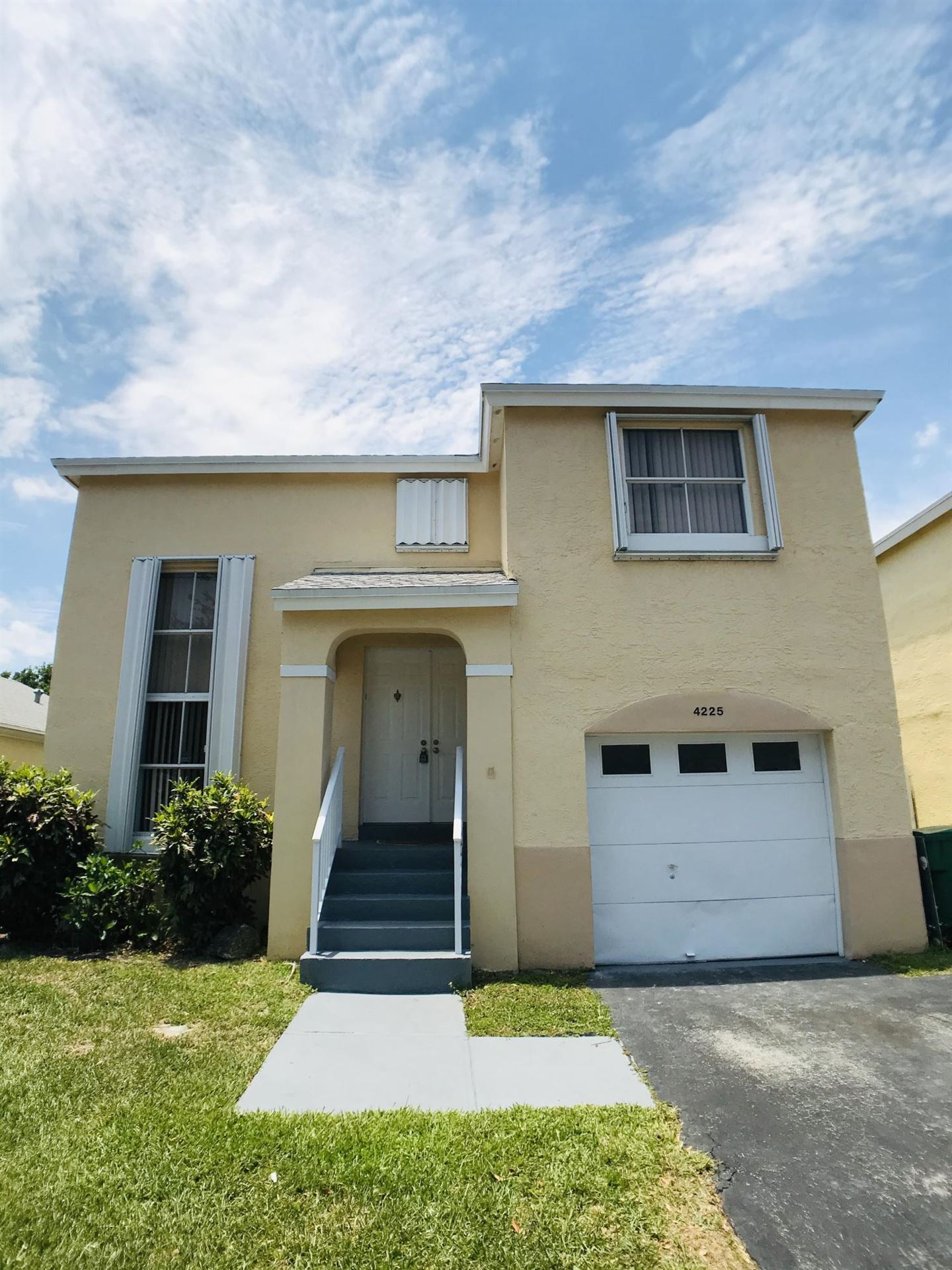 4225 SW 72nd Terrace, Davie, FL 33314 - #: RX-10624989