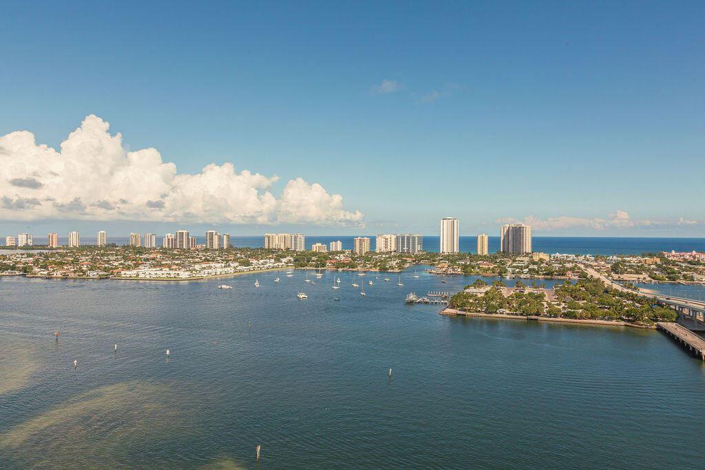 2640 Lake Shore Drive E #2411, Riviera Beach, FL 33404 - MLS#: RX-10750989