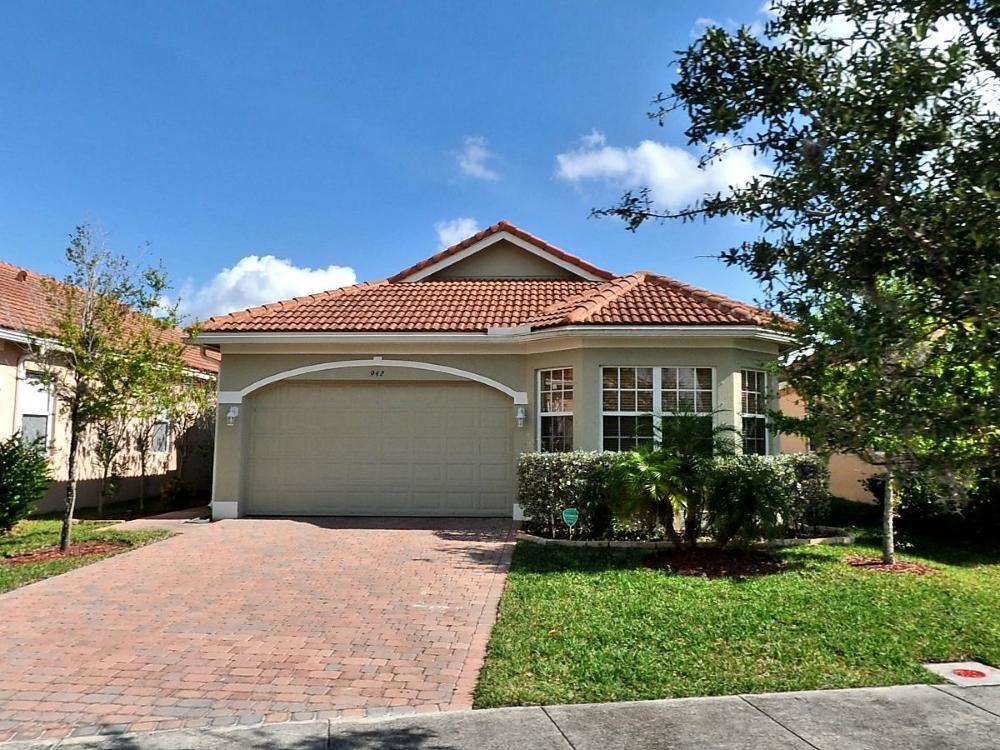 942 NW Leonardo Circle, Port Saint Lucie, FL 34986 - #: RX-10692991