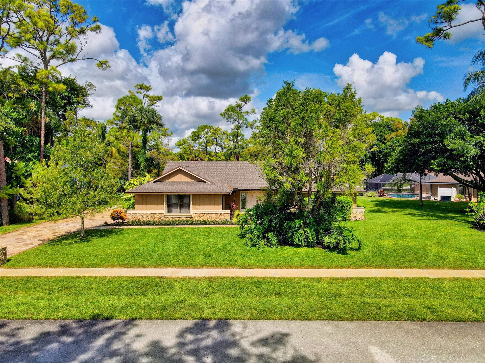 196 Scarborough Ter Terrace, Wellington, FL 33414 - MLS#: RX-10745991