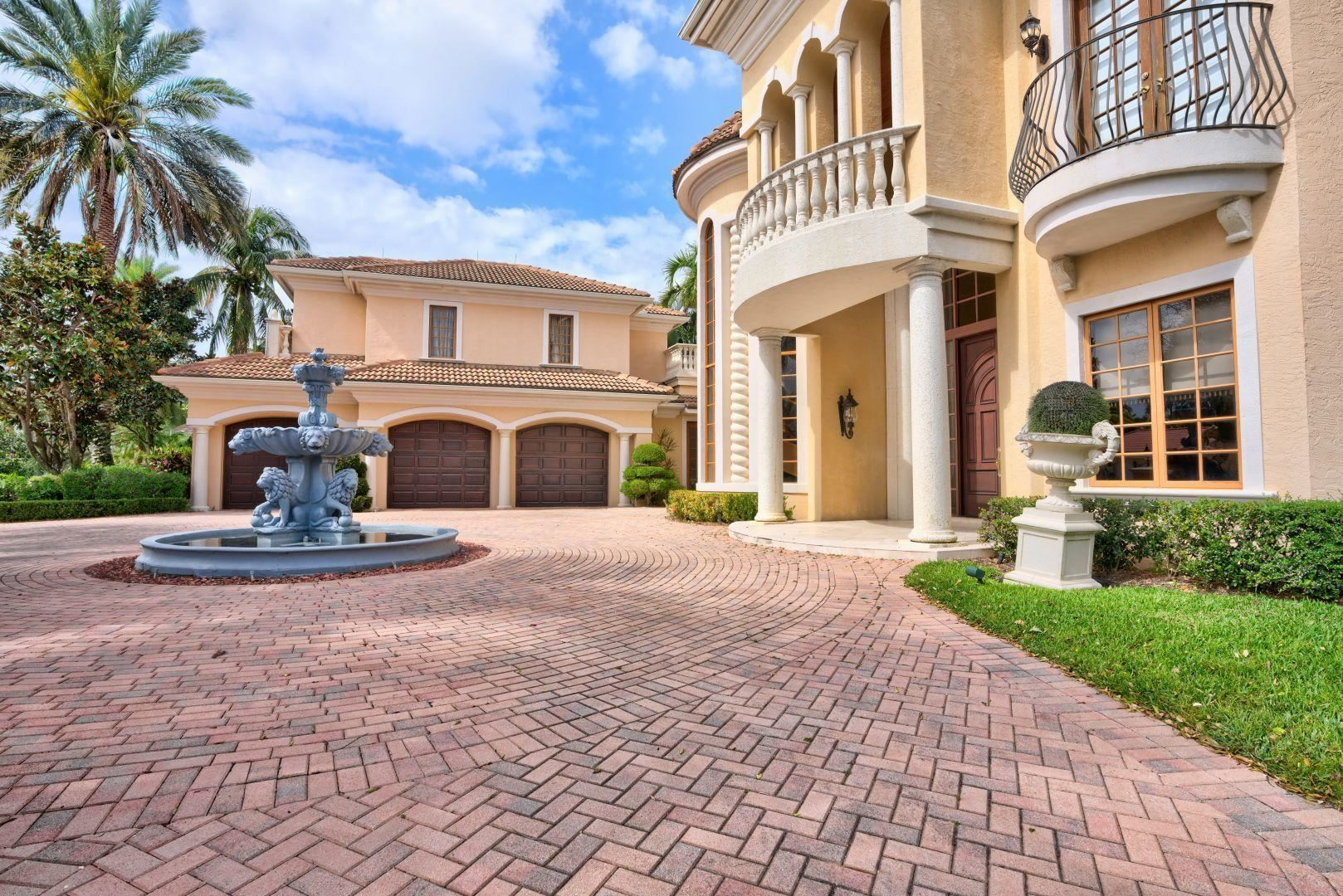 Photo of 12 St George Place, Palm Beach Gardens, FL 33418 (MLS # RX-10610992)