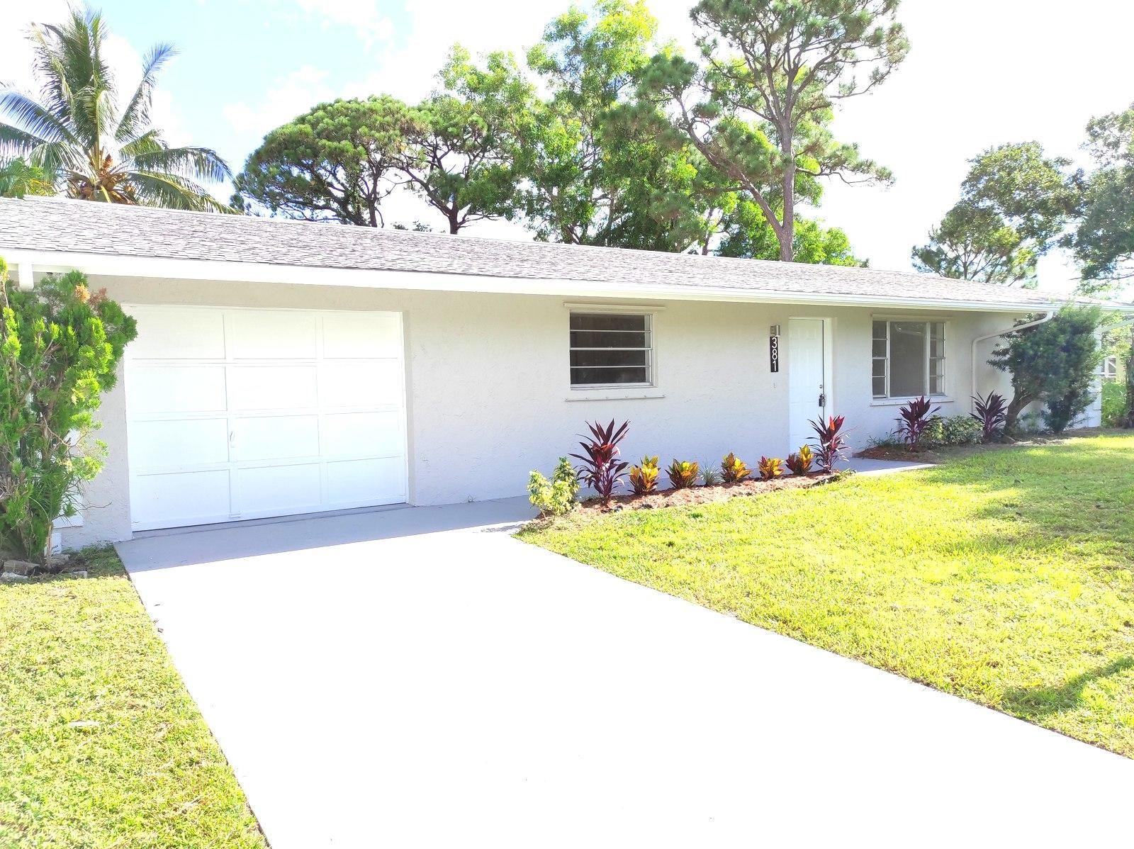 381 SE Lancaster Avenue, Port Saint Lucie, FL 34984 - #: RX-10739993