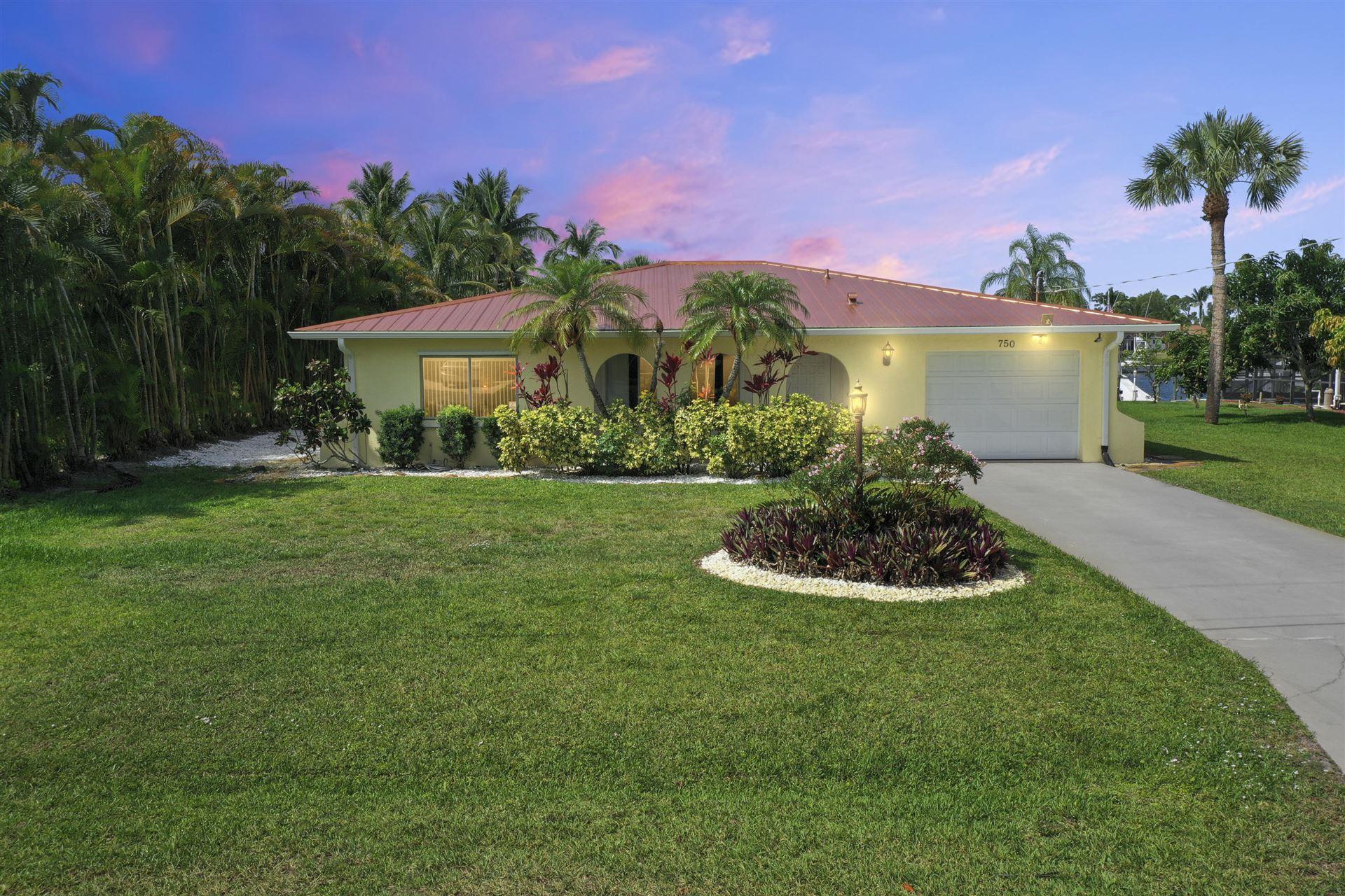 750 SE Essex Drive, Port Saint Lucie, FL 34984 - #: RX-10712995