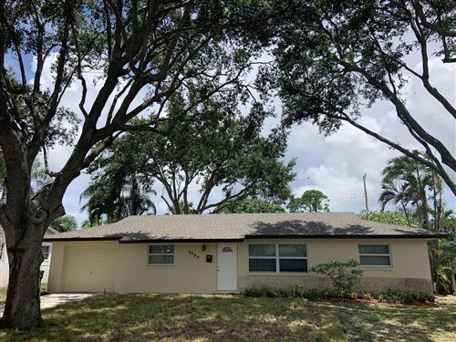Photo of 3329 Grove Road, Palm Beach Gardens, FL 33410 (MLS # RX-10638998)
