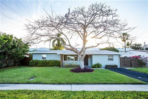 Photo of 317 SE 3rd Terrace Terrace, Deerfield Beach, FL 33441 (MLS # RX-10715998)