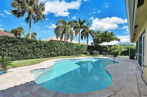 Foto de inmueble con direccion 155 Fernwood Crescent Royal Palm Beach FL 33411 con MLS RX-10663999