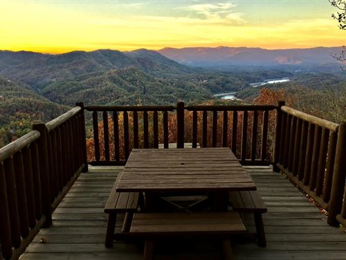 Photo of 234 Grouse Drive, Bryson City, NC 28713 (MLS # 26021375)