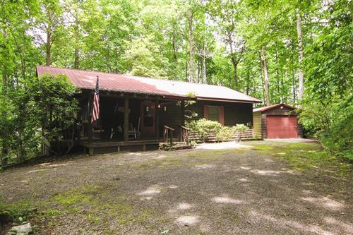 Photo of 111 Cottontail Ln, Franklin, NC 28734 (MLS # 26019939)