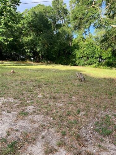 Photo of 604 W 6TH ST, Carrabelle, FL 32322 (MLS # 305029)