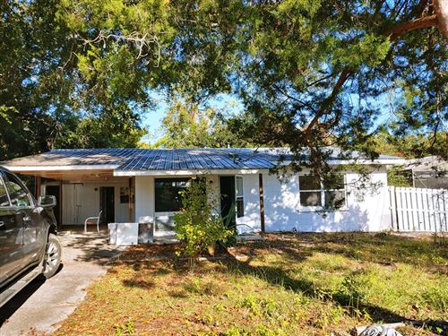 Photo of 163 CARL KING AVE, Carrabelle, FL 32322 (MLS # 306727)