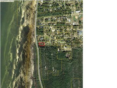 Photo of 2601 CONSTITUTION DR, Port Saint Joe, FL 32456 (MLS # 306832)