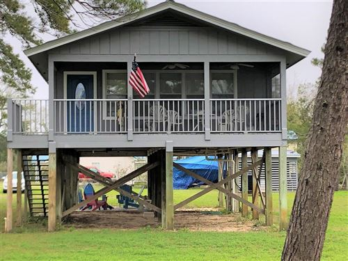 Photo of 509 NW 12TH ST, Carrabelle, FL 32322 (MLS # 303964)