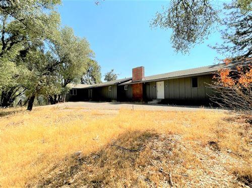 Photo of 38721 Road 425B, Oakhurst, CA 93644 (MLS # 566008)