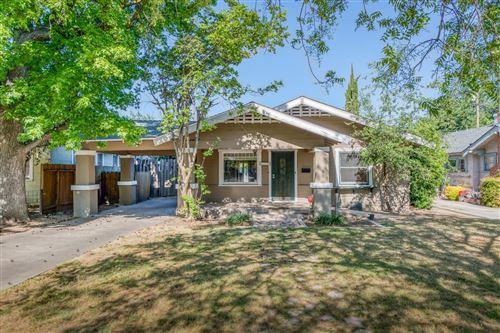 Photo of 1529 N College Avenue, Fresno, CA 93728 (MLS # 559009)