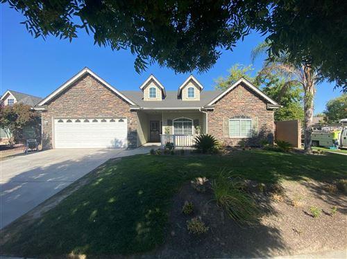 Photo of 786 S Walnut Avenue, Kerman, CA 93630 (MLS # 564023)