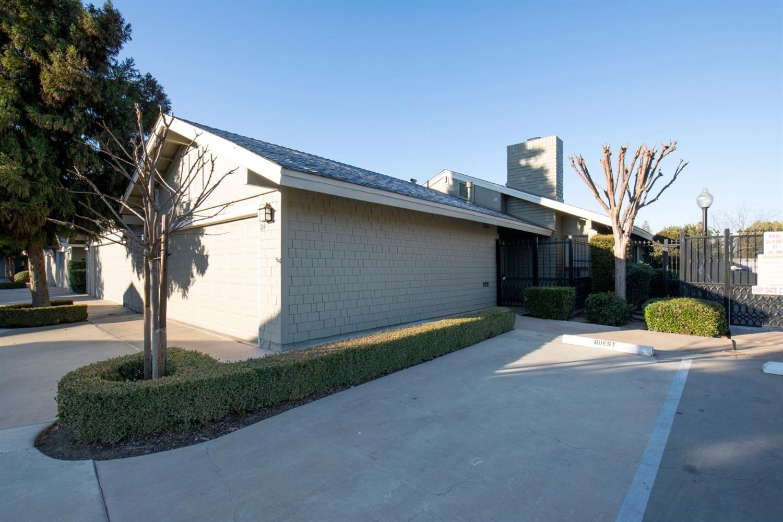 325 W Bullard Avenue #104, Fresno, CA 93704 - #: 537035