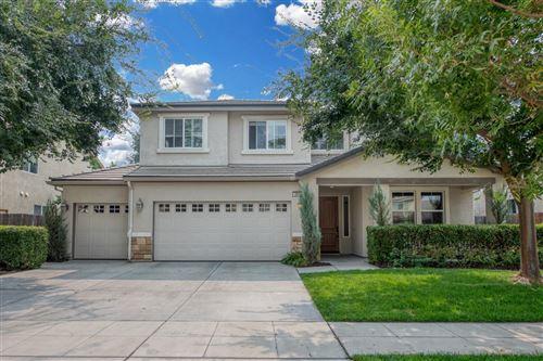 Photo of 694 Serena Avenue, Clovis, CA 93619 (MLS # 548055)