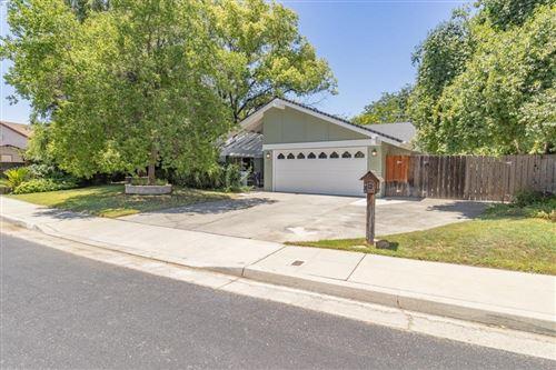 Photo of 2537 Laverne Avenue, Clovis, CA 93611 (MLS # 561058)