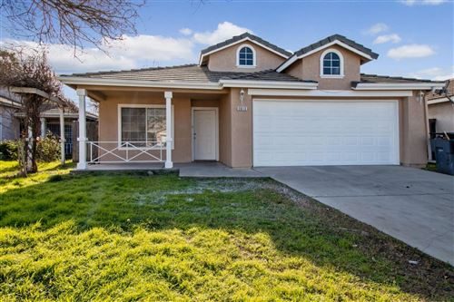 Photo of 5613 W Donner Avenue, Fresno, CA 93722 (MLS # 536074)