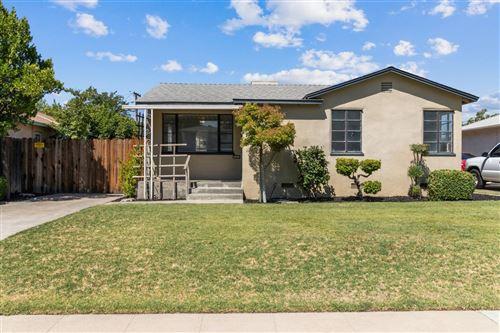 Photo of 961 N Thorne Avenue, Fresno, CA 93728 (MLS # 546108)