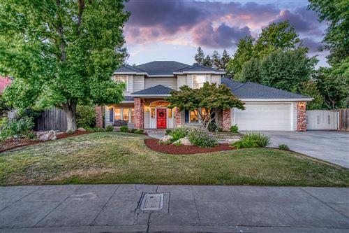 Photo of 464 E Feather River Drive, Fresno, CA 93730 (MLS # 561112)
