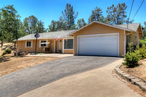 Photo of 43500 Cave Stone Court, Coarsegold, CA 93614 (MLS # 536125)