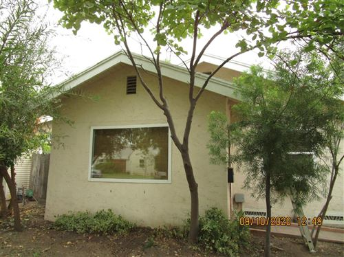 Photo of 402 E Yale Avenue, Fresno, CA 93704 (MLS # 544165)
