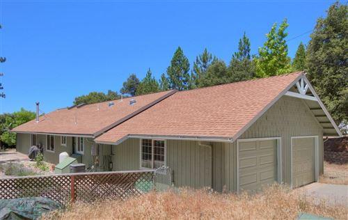 Photo of 51802 Ponderosa Way, Oakhurst, CA 93644 (MLS # 544173)