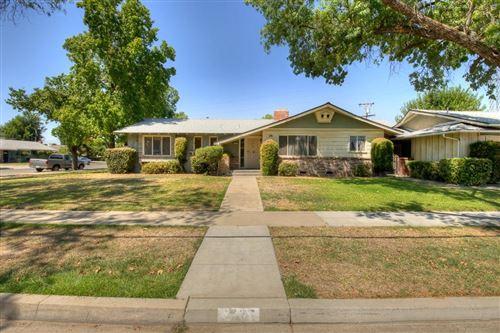 Photo of 2737 E Fedora Avenue, Fresno, CA 93726 (MLS # 546190)