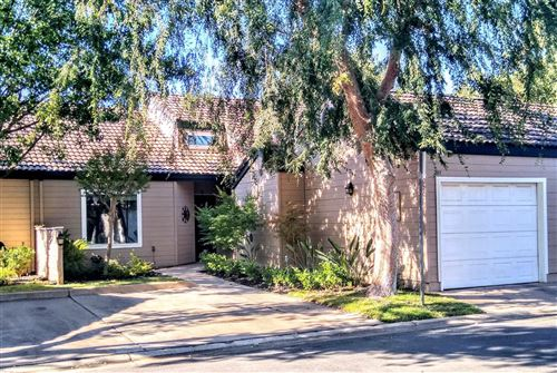 Photo of 474 E Alluvial Avenue #107, Fresno, CA 93720 (MLS # 544205)