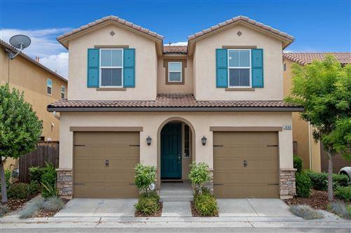Photo of 3680 Etchings Way, Clovis, CA 93619 (MLS # 560215)