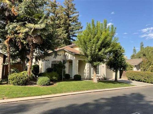 Photo of 545 E Driftwood Drive, Fresno, CA 93730 (MLS # 566215)