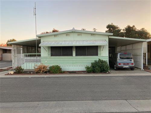 Photo of 1500 Villa Avenue #SPC12, Clovis, CA 93612 (MLS # 551216)