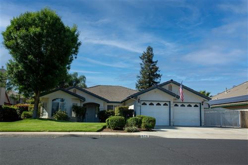 Photo of 576 Cromwell Avenue, Clovis, CA 93611 (MLS # 559245)