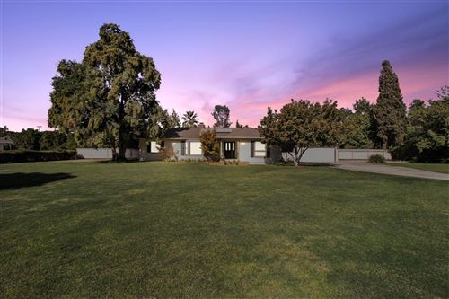 Photo of 5469 E Liberty Avenue, Fresno, CA 93727 (MLS # 550259)