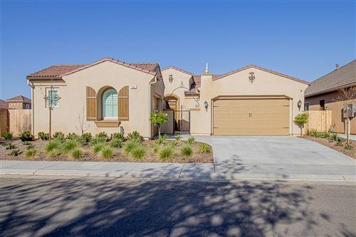 Photo of 1364 N Graybark, Clovis, CA 93619 (MLS # 557268)