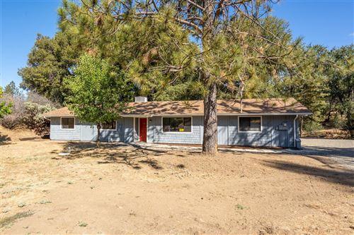 Photo of 50759 50759 Road 426, Oakhurst, CA 93644 (MLS # 541285)