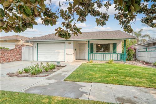 Photo of 773 E Cornell Avenue, Fresno, CA 93704 (MLS # 566292)