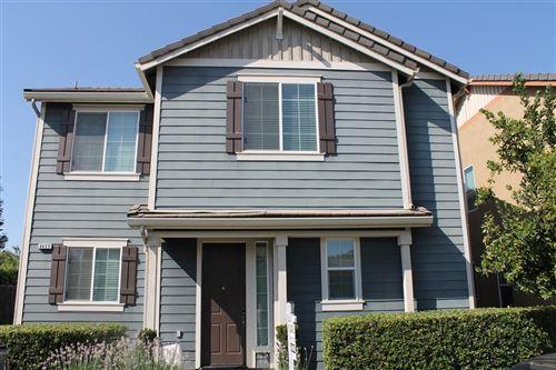 Photo of 4417 W Artemisa Drive, Fresno, CA 93722 (MLS # 546314)