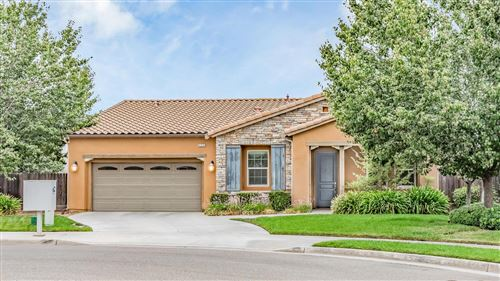 Photo of 6334 W Robinwood Lane, Fresno, CA 93723 (MLS # 548323)