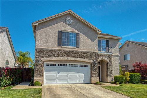 Photo of 2955 Donner Avenue, Clovis, CA 93619 (MLS # 559334)