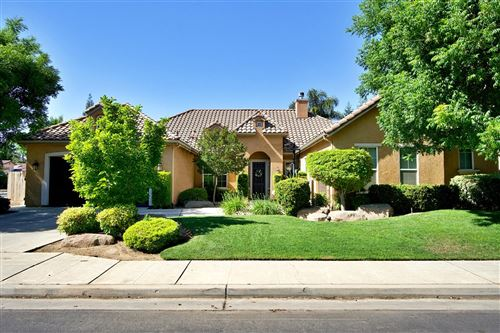 Photo of 167 W Goshen Avenue, Clovis, CA 93611 (MLS # 559335)