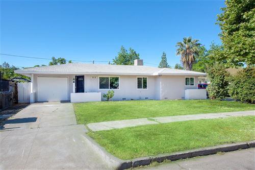 Photo of 958 E Cornell Avenue, Fresno, CA 93704 (MLS # 542341)