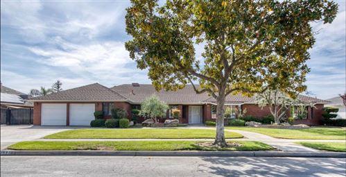 Photo of 1693 E Cromwell Avenue, Fresno, CA 93720 (MLS # 568342)